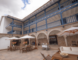 hotel-el-mercado-front