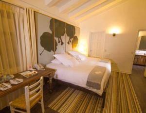 hotel-el-mercado-suite